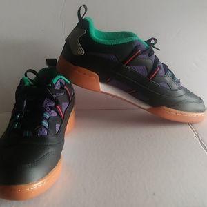 Reebok unisex  sneakers. Womens size 11 mens 9